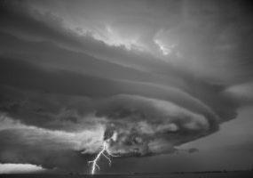 mơ thấy mưa bão