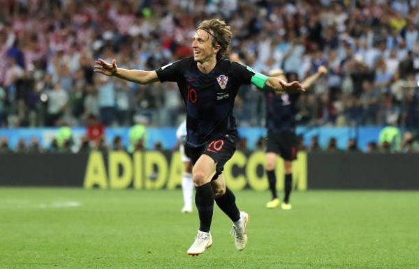 Modric người hùng của Croatia