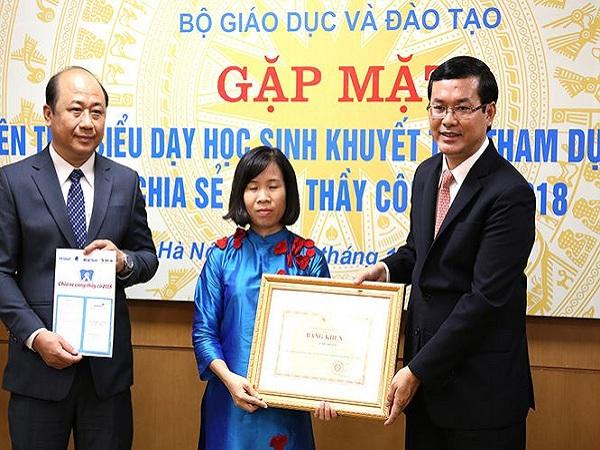 Bộ GD&ĐT tặng bằng khen 48 giáo viên dạy trẻ khuyết tật