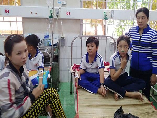 Kỷ luật cán bộ Vụ học sinh ngộ độc vì súc miệng bằng Fluor