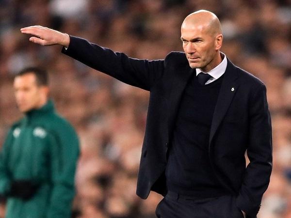 """Tin Italia 21/4: Juventus """"đi đêm"""" mời Zidane làm thầy Ronaldo"""