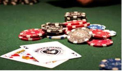 Cách chơi xì tố qua các vòng đặt cược