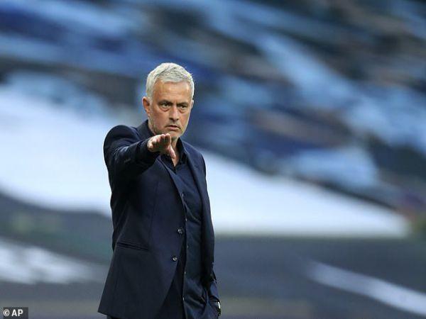 Tin bóng đá sáng 14/9: Jose Mourinho thua trận mở màn Premier League
