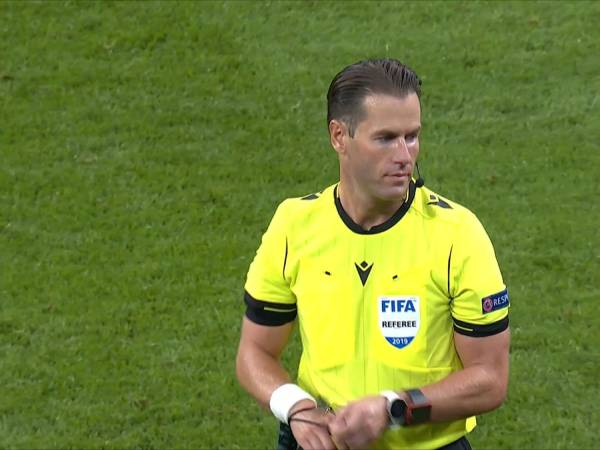 Tin World Cup tối 29/3: Sai lầm khó chấp nhận của Danny Makkelie
