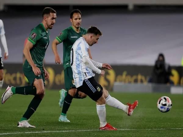 Bóng đá QT ngày 10/9: Argentina phả hơi nóng lên Brazil